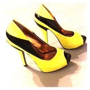 BCBG Stiletto Peep Toe Heels Yellow & Black